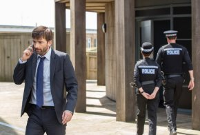 ITV  BROADCHURCH  SERIES 3   Pictured : DAVID TENNANT as DI ALEC HARDY.  This photograph is (C) SISTER PICTURES and can only be reproduced for editorial purposes directly in connection with the programme or event mentioned above. Once made available by ITV plc Picture Desk, this photograph can be reproduced once only up until the transmission [TX] date and no reproduction fee will be charged. Any subsequent usage may incur a fee. This photograph must not be manipulated [excluding basic cropping] in a manner which alters the visual appearance of the person photographed deemed detrimental or inappropriate by ITV plc Picture Desk.  This photograph must not be syndicated to any other company, publication or website, or permanently archived, without the express written permission of ITV Plc Picture Desk. Full Terms and conditions are available on the website www.itvpictures.com  For further information please contact: Patrick.smith@itv.com 0207 1573044