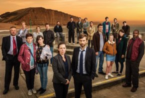 ITVBROADCHURCH SERIES 3Pictured L-R:CHARLIE HIGSON as Ian,CAROLYN PICKLES as Maggie,JULIE HESMONHALGH as Trish,SARAH PARISH as Cath,HANNAH MILLWARD as Leah, MARK BAZELEY as Jim,JIM HOWICK as Aaron,OLIVIA COLMAN as DS Ellie Miller,SEBASTIAN ARMESTO as Clive,DEON WILLIAMS as Michael,DAVID TENNANT as DI Alec Hardy,BECKY BRUNNING as Lindsay,GEORGINA CAMPBELL as DC Katie Harford,ANDREW BUCHAN as Mark,ADAM WILSON as Tom,CHARLOTTE BEAUMONT as Chloe,HANNAH RAE as Daisy, JODIE WHITTAKER as Beth,CHRIS MASON as Leo and LENNYHENRY as Ed.This photograph is (C) ITV Plc and can only be reproduced for editorial purposes directly in connection with the programme or event mentioned above. Once made available by ITV plc Picture Desk, this photograph can be reproduced once only up until the transmission [TX] date and no reproduction fee will be charged. Any subsequent usage may incur a fee. This photograph must not be manipulated [excluding basic cropping] in a manner which alters the visual appearance of the person photographed deemed detrimental or inappropriate by ITV plc Picture Desk.  This photograph must not be syndicated to any other company, publication or website, or permanently archived, without the express written permission of ITV Plc Picture Desk. Full Terms and conditions are available on the website www.itvpictures.comFor further information please contact:Patrick.smith@itv.com 0207 1573044